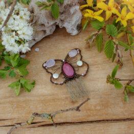broche papillon rose